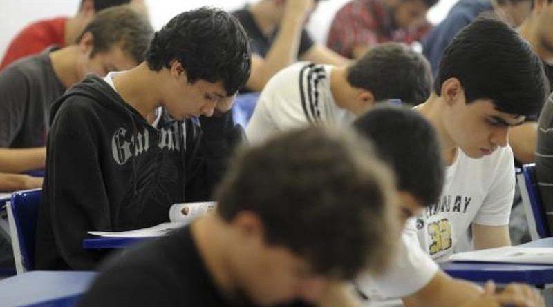 Enade estudantes exame foto Agencia Brasil 800x445 - Um dia antes: Enem antecipa divulgação de resultado