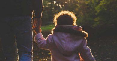 crianca pai familia acolhedora infancia 390x205 - Defensoria promove mutirão para reconhecimento de paternidade