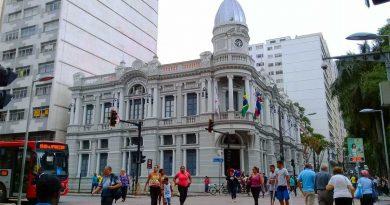 foto Marcos Alfredo prefeitura iptu espaço cidadao cidade pessoas 390x205 - Funalfa divulga decreto da Lei Murilo Mendes 2018