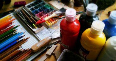 foto free curso desenho pintura tinta arte 390x205 - Prefeitura publica edital para professores especializados