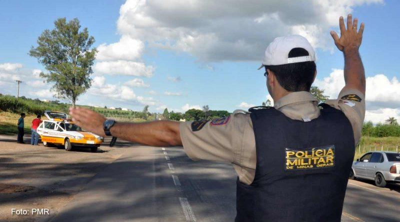 foto PMR policia rodoviaria estadual 800x445 - 'Operação Padroeira' fiscaliza estradas da região