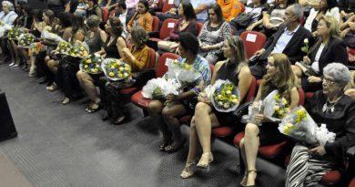 mulher cidada 390x205 - Troféu Mulher Cidadã homenageia 15 mulheres nesta segunda