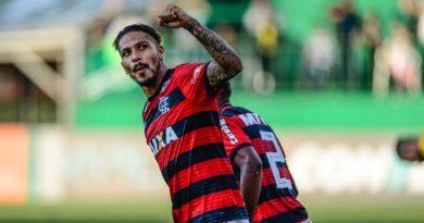 foto fla paolo guerrero 390x205 - Fla: Guerrero é dúvida nos próximos jogos