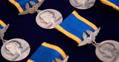 medalha santos dumont 390x205 - Governo de Minas entrega Medalha Santos Dumont a 112 personalidades