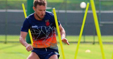Vasco renova contrato com Marcelo Mattos