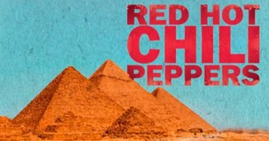 Red Hot Chili Peppers faz show na região das pirâmides de Gizé