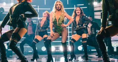foto Britney Spears 390x205 - Britney Spears se interna em clínica de saúde mental