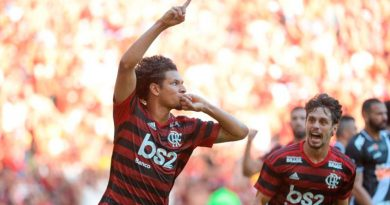 Vitória do Flamengo derruba treinador do Vasco