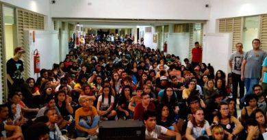 foto Filipe Paiva DCE UFJF greve paralisacao 390x205 - Comunidade acadêmica da UFJF adere à paralisação nacional no dia 15