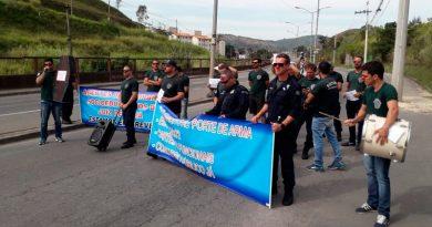 foto cedida pelo movimento agentes socioeducativos 390x205 - Agentes socioeducativos protestam em Juiz de Fora