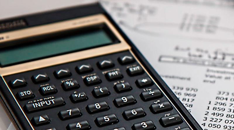 foto economia calculadora matematica educacao - Procon realiza curso de educação financeira em outubro
