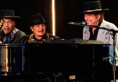 Após 25 anos: Bob Dylan e Neil Young tocam juntos