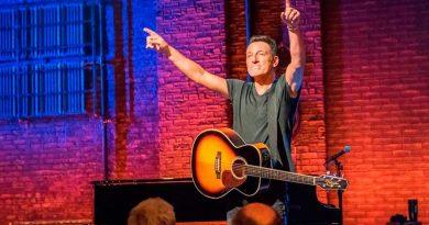 foto bruce springsteen 390x205 - Exposição de Bruce Springsteen terá 150 itens raros