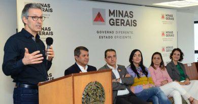 agencia minas governador rome zema maos a obra 390x205 - MG: Governo anuncia reforma e revitalização de escolas na Zona da Mata e Vertentes
