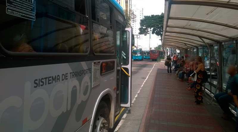 foto marcos alfredo onibus transporte ponto passagem tarifa - Settra: Passagem de ônibus vai para R$ 3,75 em JF