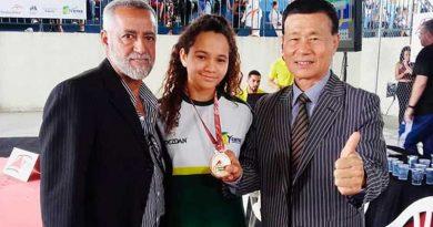 foto rede social Danielly Vitória 390x205 - Atleta Danielly recebe homenagem da Federação Mineira de Taekwondo