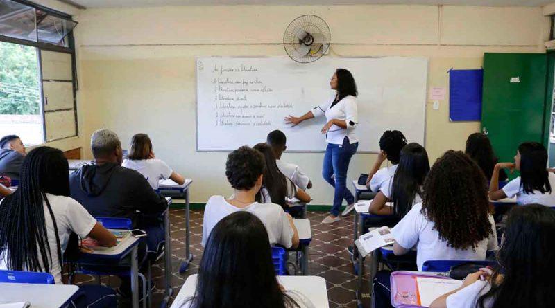 professores concurso educação